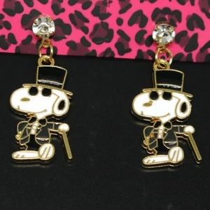 NWT Snoopy Tuxedo Crystal Earrings